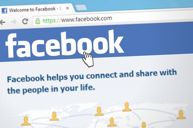 5. Abonamentul la internet - Facebook