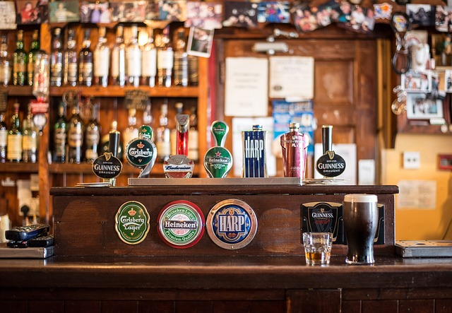 9. Stai departe de baruri - Bar modern Bere Guinness Carlsberg