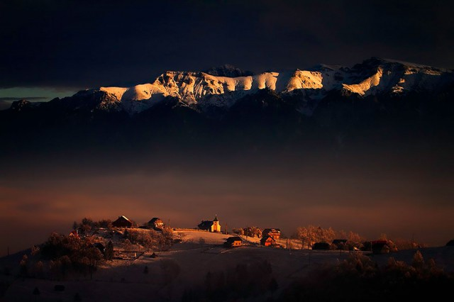 Copyright ©  Dumitru Doru