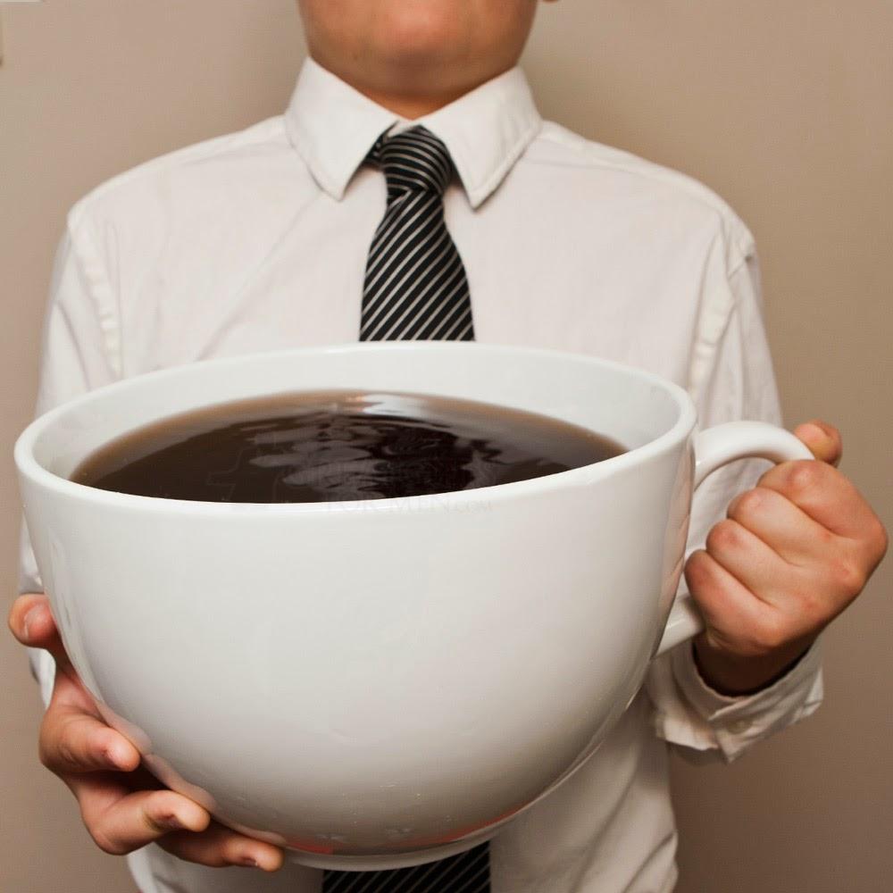 caesca de cafea uriasa