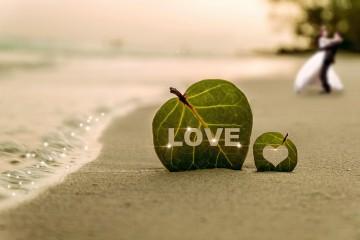 20 de metode sa ii spui te iubesc - mesaj dragoste/love pe plaja