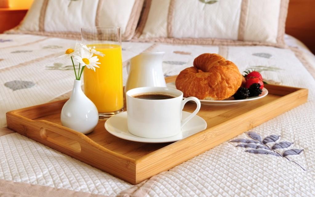 mic dejun in pat